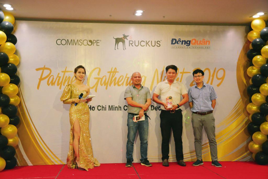 Ruckus_Partner_Gathering_Night _Vinh_danh_Top_Resellers_2019_3